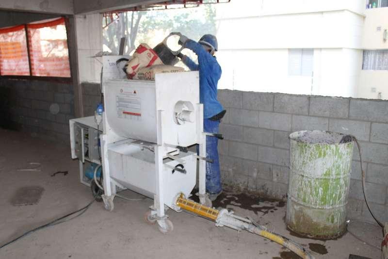 Misturador de massa para reboco